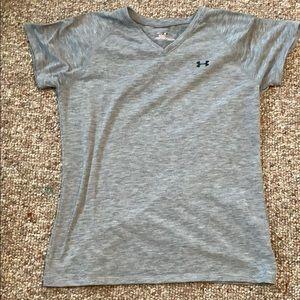 grey underarmor shirt